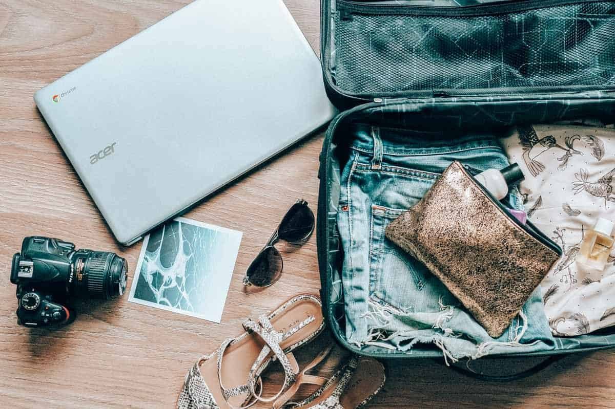 40 Long Haul Flight Essentials: Everything you MUST pack in your carry-on