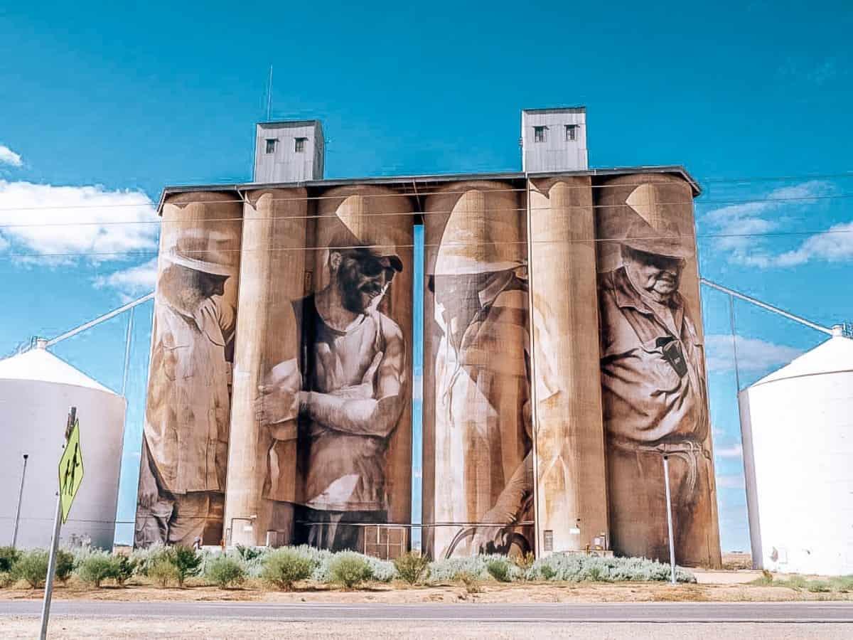 Paintings on silos