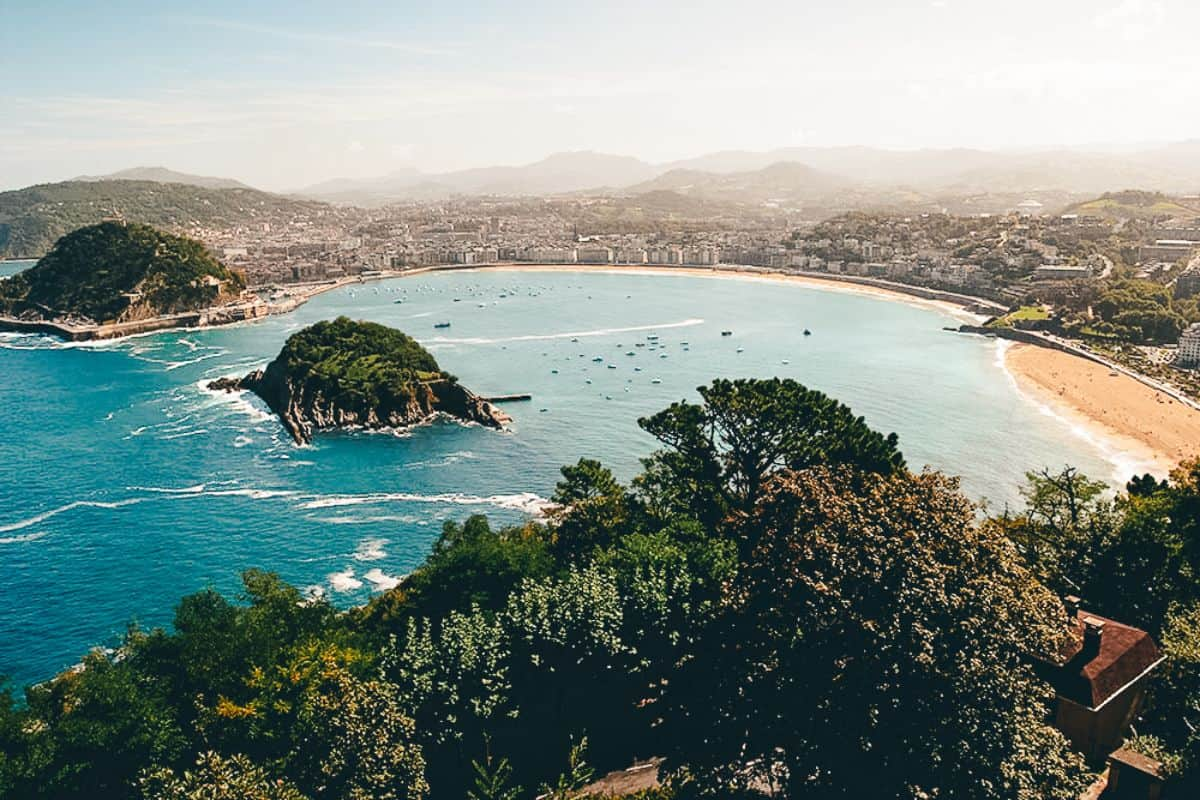 A view over the islands in the ocean at San Sebastian