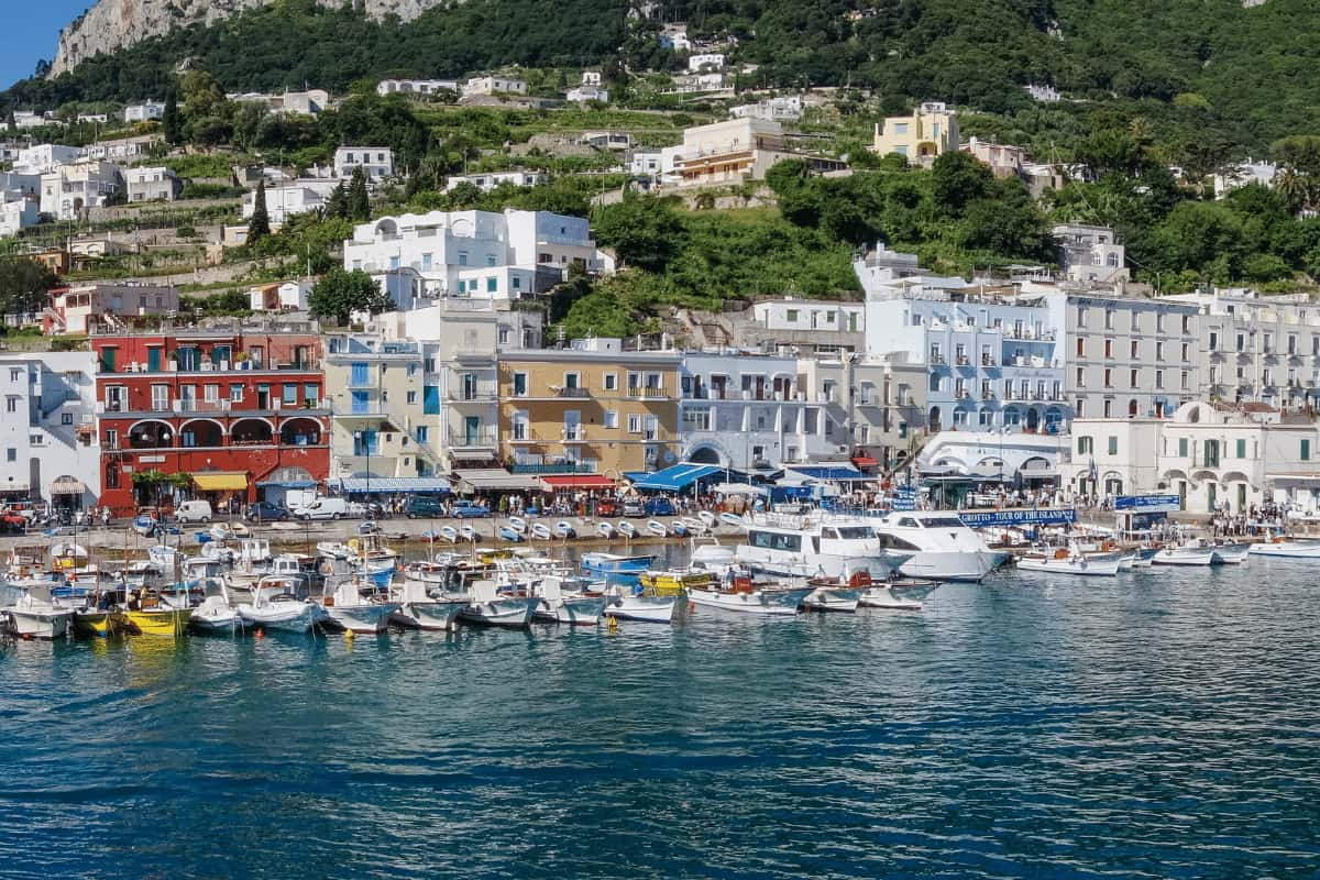 Views at the Mariana Grande in Capri