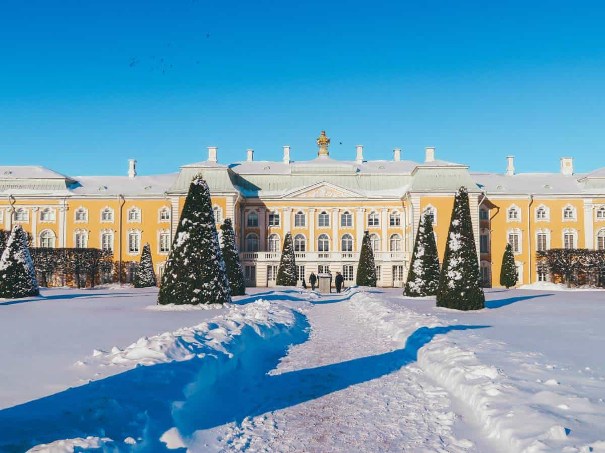 Snow outside the royal palace in St Petersburg