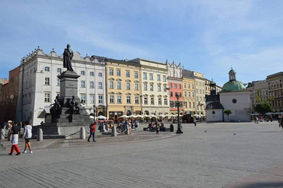 A statue in an old town square