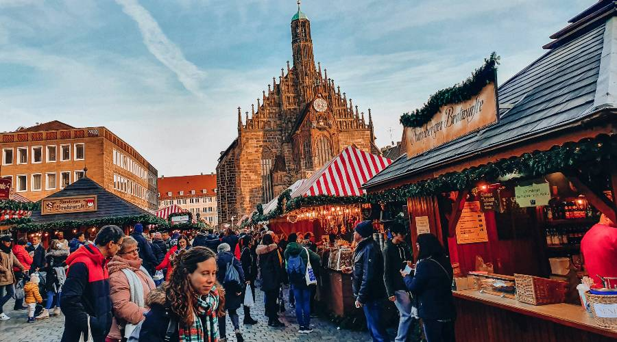 The Nuremberg Christmas markets in front of the Church of our lady